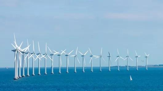 8亿的东海大桥海上风电场从勘探设计到主机制造再到设备安装,都是完全