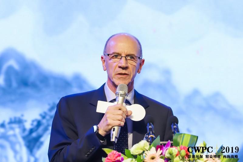 新加坡康隆远东销售和市场总监Francesco Abba《用于制造新型风能叶片的康隆技术和装备》
